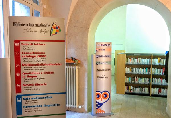 biblioteca internaz