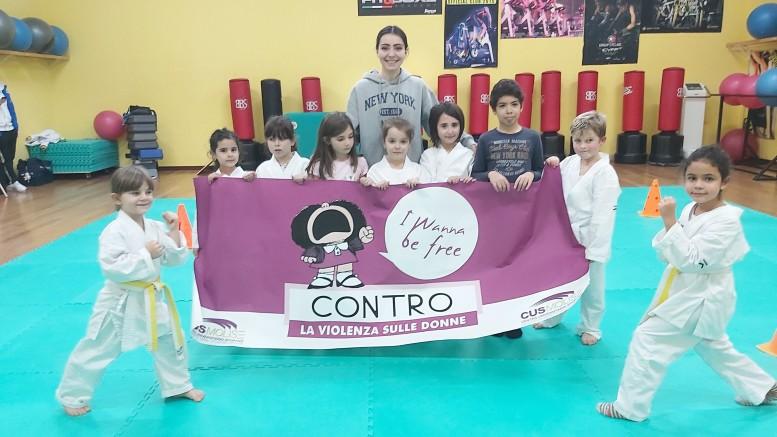 un gruppo del karate