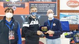 La premiazione di Fausto Scarpitti tecnico dell'Acqua e Sapone terza classificata